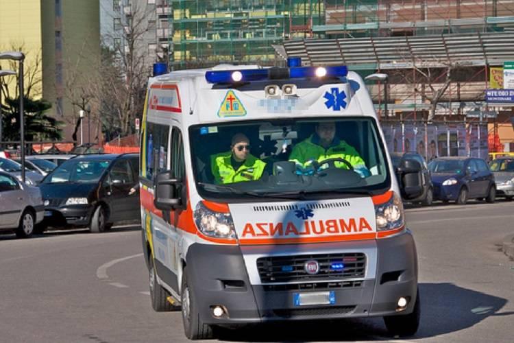 Milano, mangia barrette alla marijuana: grave addetto alle pulizie