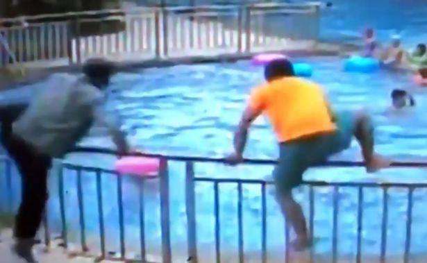 Bimbo di 3 anni rischia di annegare tra l'indifferenza generale – VIDEO