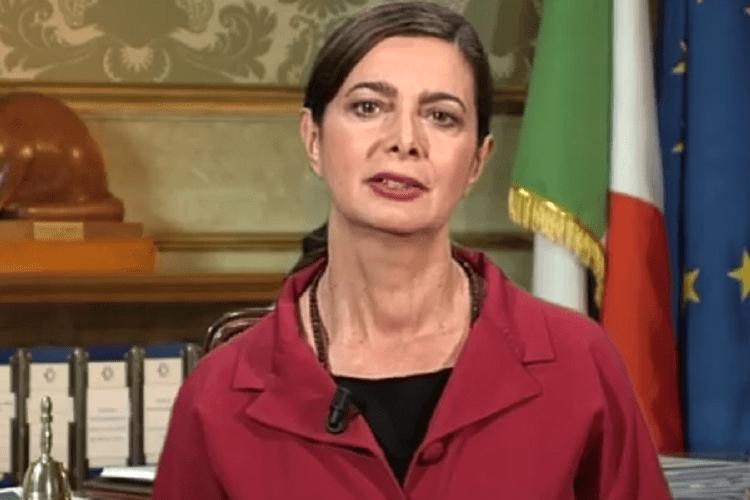 """""""Stupri, quando accadrà alla Boldrini?"""", travolto dalle polemiche"""