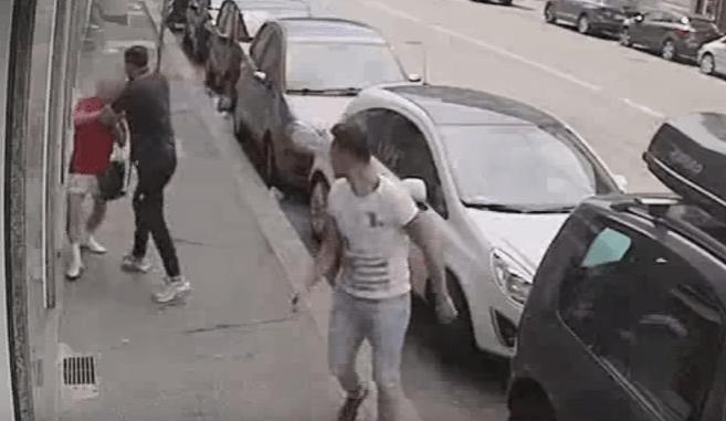 Anziano rapinato da due marocchini in strada a Torino – VIDEO