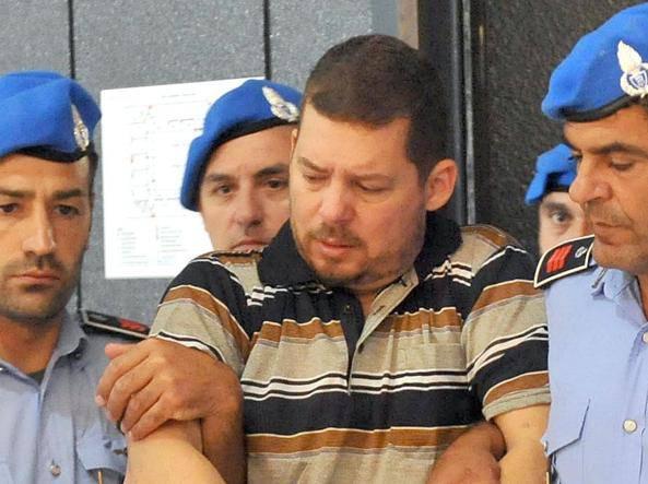 Autore di 132 omicidi: si nasconde in Italia