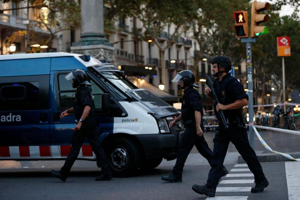 Barcellona, ecco l'identikit dell'autista della strage