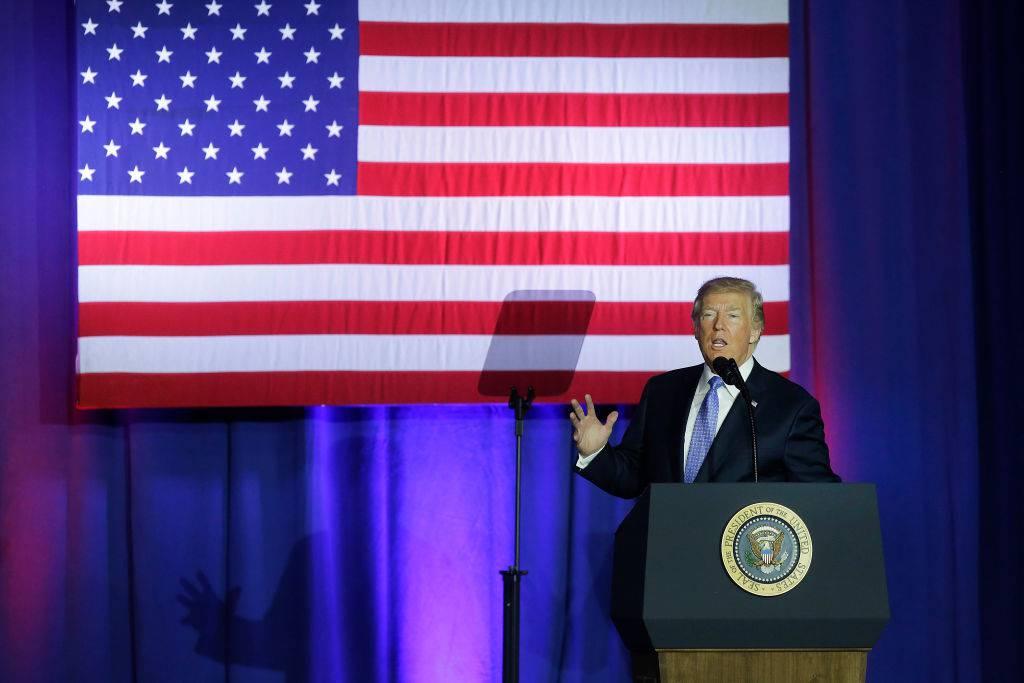 """La rivoluzione di Trump: """"Taglieremo le tasse per la classe media"""""""