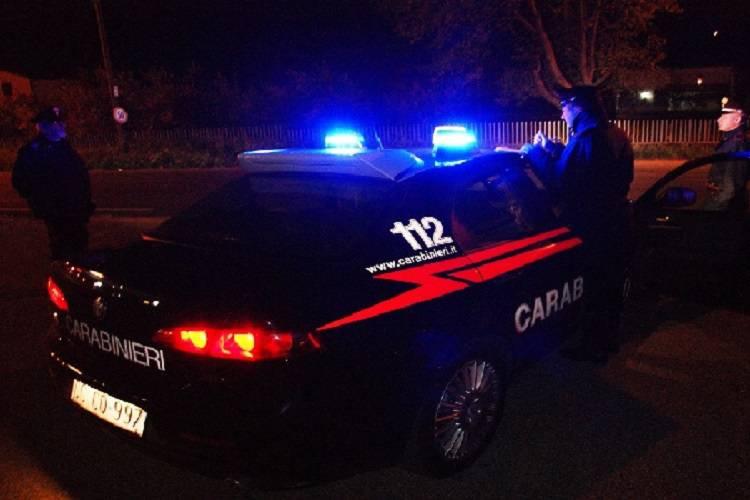Trasporta migranti con l'auto che gli presta un'insospettabile: arrestato