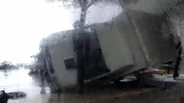 Tromba d'aria nel Salento: gravi danni e paura per un velivolo