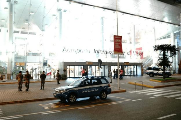 Allarme bomba a Capodichino, controlli a tappeto dopo telefonata anonima