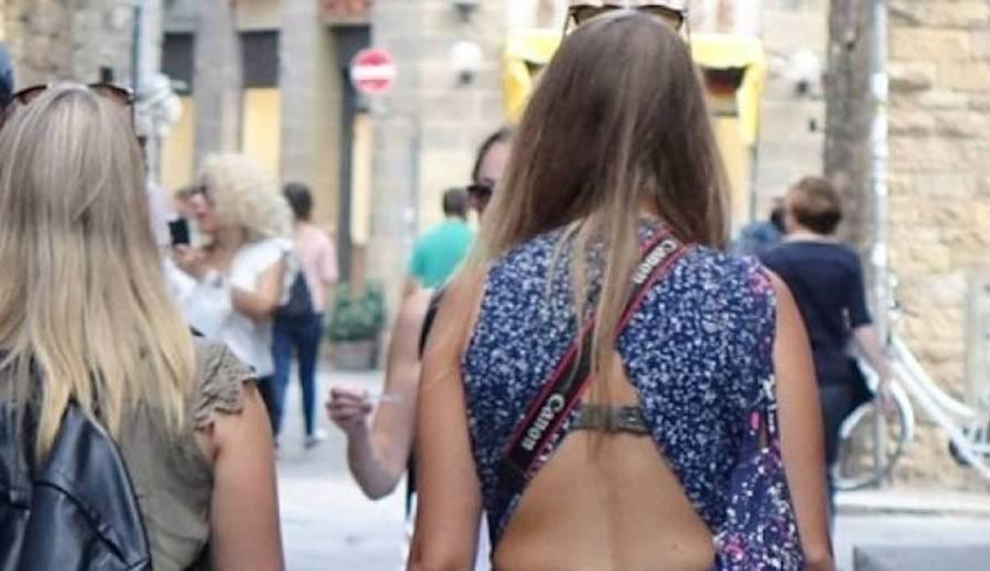 """Firenze, il Carabiniere: """"Dopo lei mi ha lasciato il numero"""""""