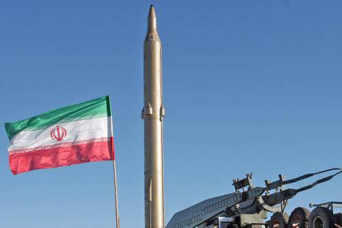 Iran, provocazione agli USA: lanciato con successo un potente missile balistico