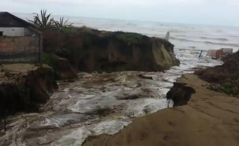 Ardea, strada frana a causa della pioggia battente – VIDEO