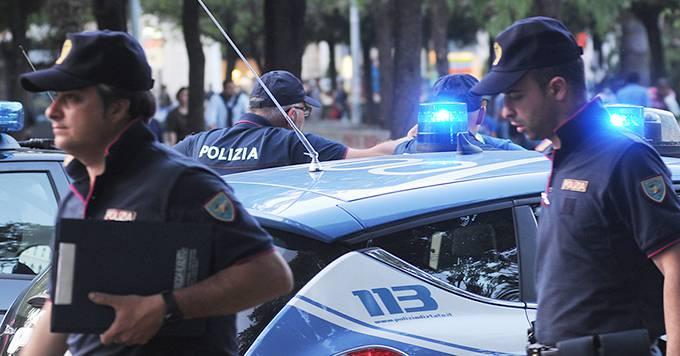 polizia immigrati