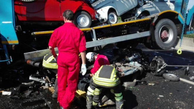 Incidente devastante in autostrada: 2 morti e 3 feriti gravi