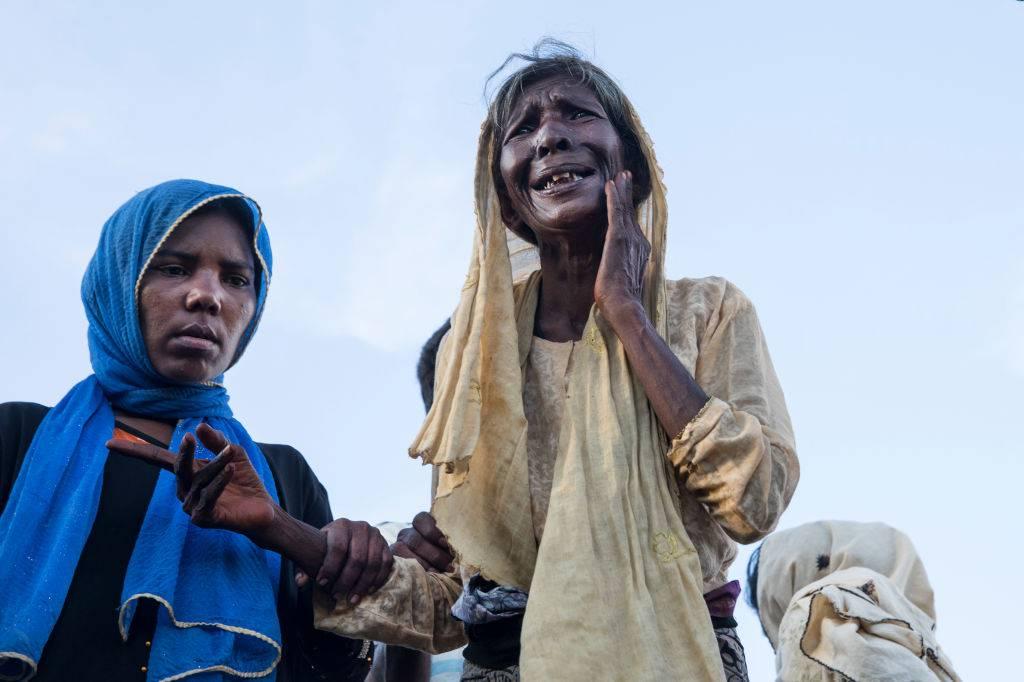 """Il dramma delle donne del Rohingya: """"Violentate per giorni"""""""