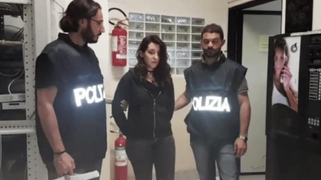 Palermo, ragazza di 20 anni spara ai vicini