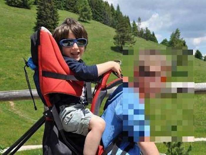 Schiacciato dall'armadio in camera da letto, muore bimbo di 4 anni