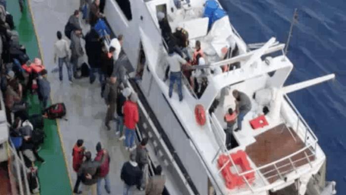 Siracusa, cambio di rotta: ora i migranti sbarcano con lo yacht