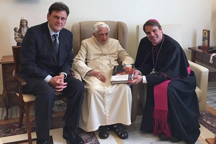Papa Ratzinger: ancora preoccupazione per le sue condizioni – FOTO