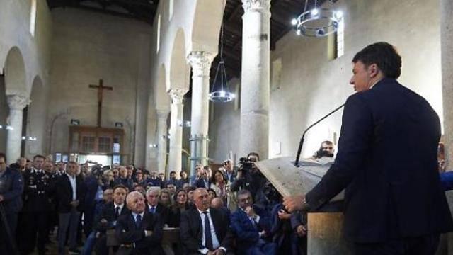 Renzi: comizio in chiesa senza nessuna autorizzazione