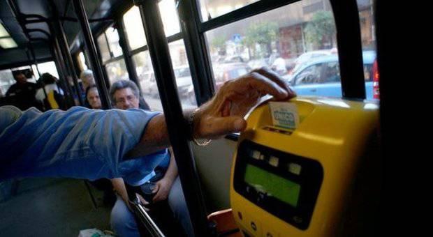 Lucca, obliteratrice fuori uso, multato passeggero con regolare biglietto