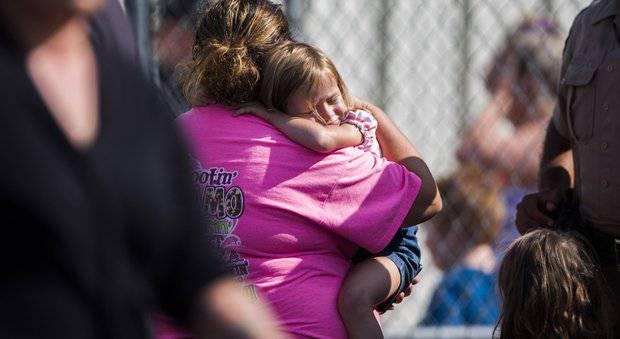Sparatoria in una scuola, killer fa 5 morti e 7 feriti – VIDEO