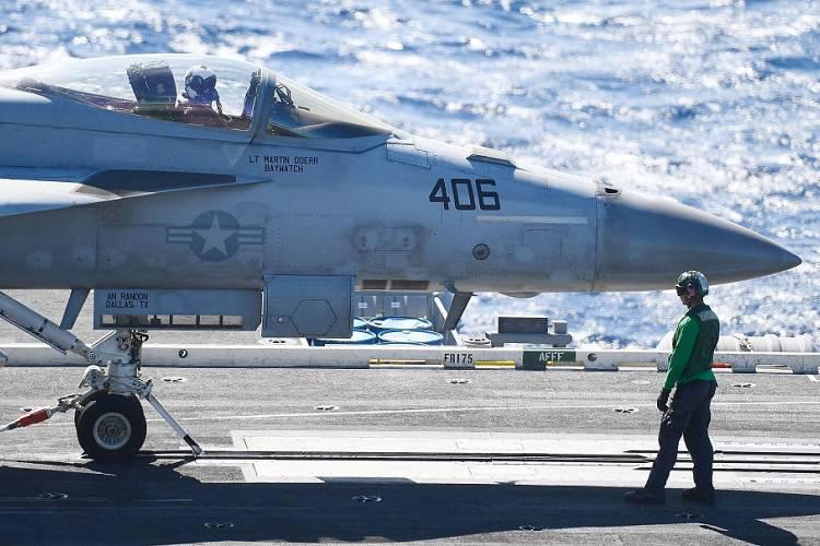 Tragedia nel Pacifico: si schianta velivolo Usa, grave il bilancio