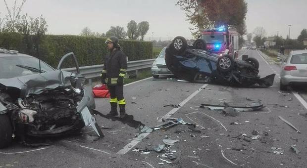 Treviso: pauroso incidente, cinque auto distrutte – VIDEO