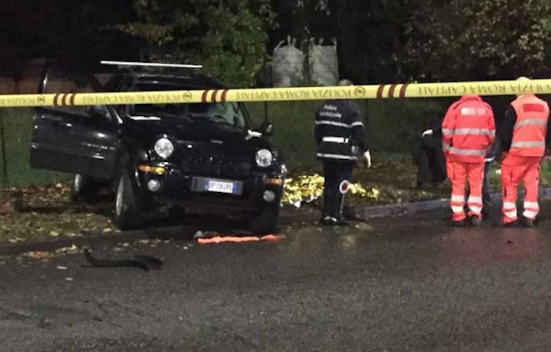 Grave incidente, poliziotto muore contro un albero
