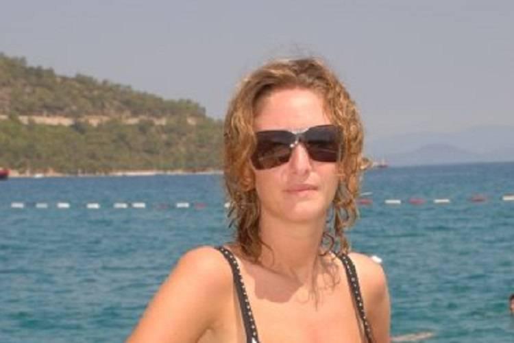 Il cancro non le lascia scampo: muore una giovane moglie