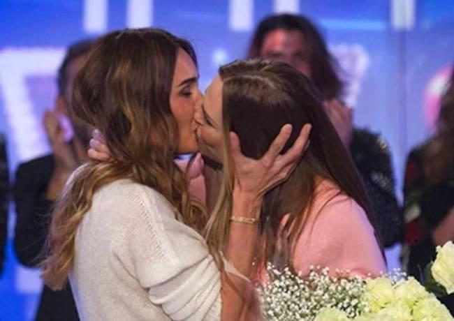 Ilary bacio
