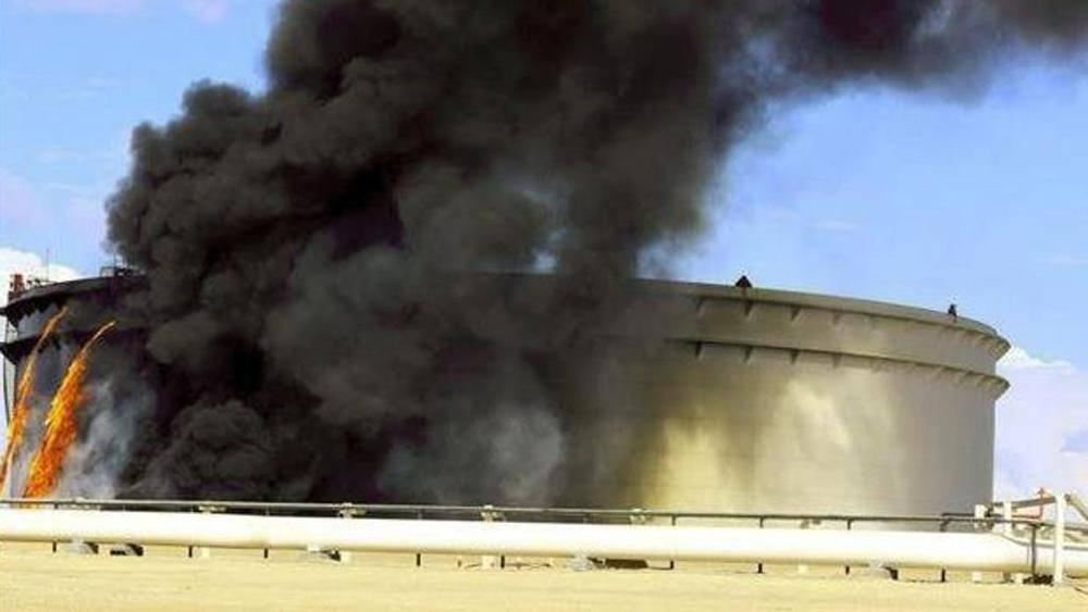 Libia, commando di terroristi fa esplodere importante oleodotto