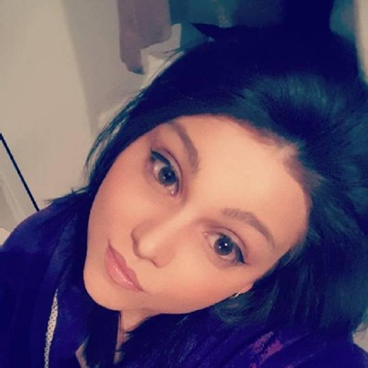 Ragazza morta per fermare il fidanzato aspirante suicida