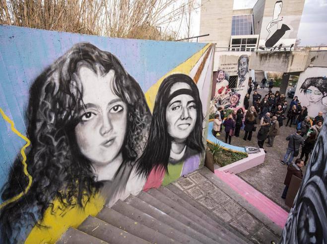 50 anni di Emanuela Orlandi. Auguri della mamma e murales a Roma