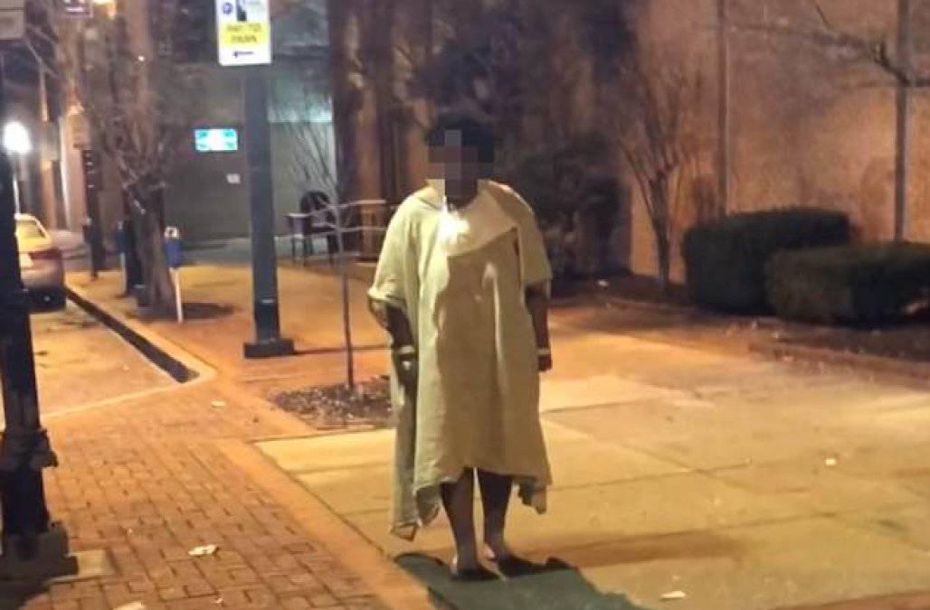 Baltimora: paziente di un ospedale abbandonata per strada – VIDEO