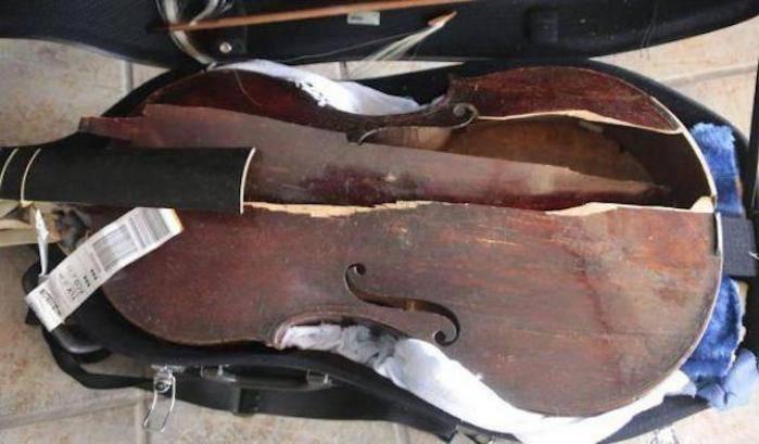 """La viola del XVII secolo si distrugge in volo, la musicista: """"La responsabilità è di Alitalia"""""""