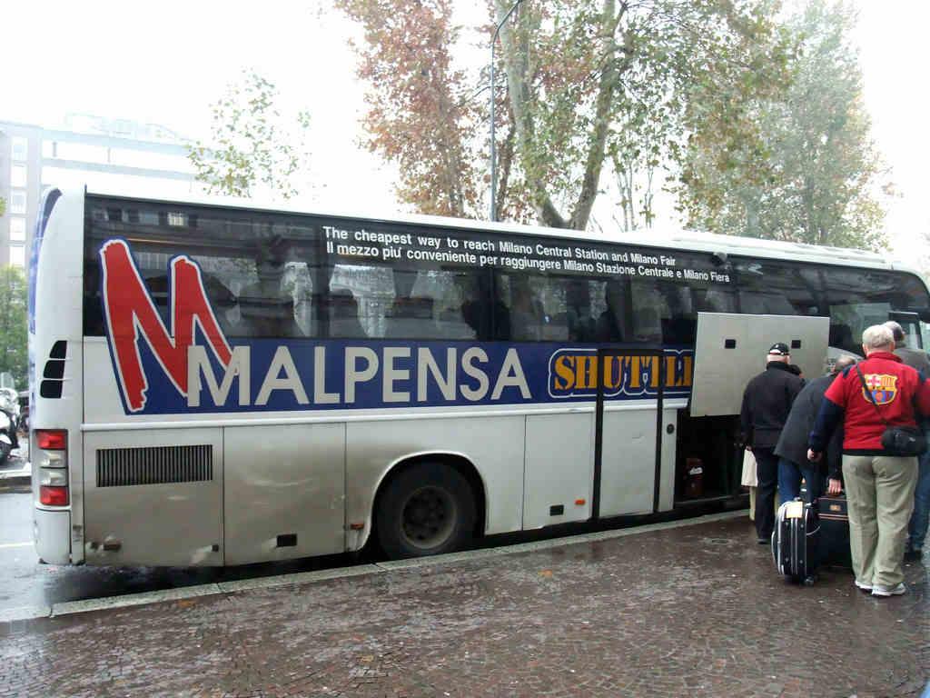 Mamma blogger assalita in presenza delle figlie a Malpensa