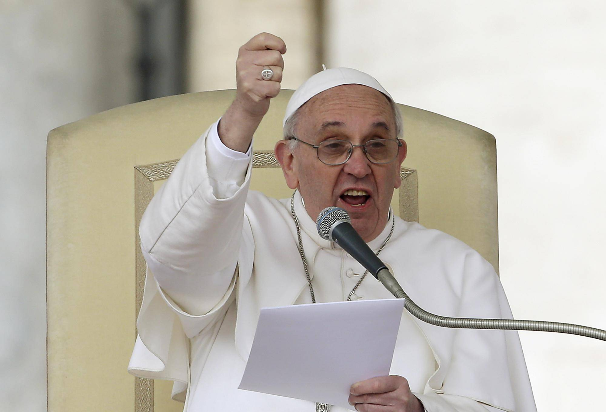 """Il papa si rivolge ai migranti: """"Rispettate leggi, tradizioni e cultura di chi vi ospita"""""""