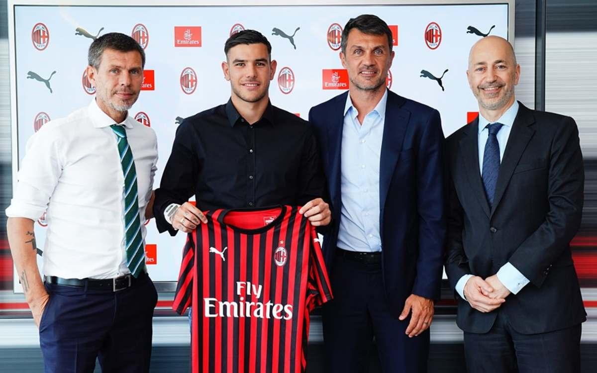 Milan: Boban, Maldini e Gazidis col neo acquisto Theo Hernandez