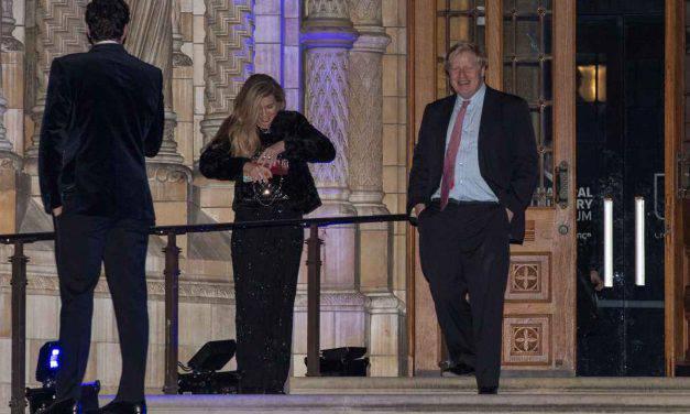 Chi è Carrie Symonds, la prima First Lady non sposata del Regno Unito