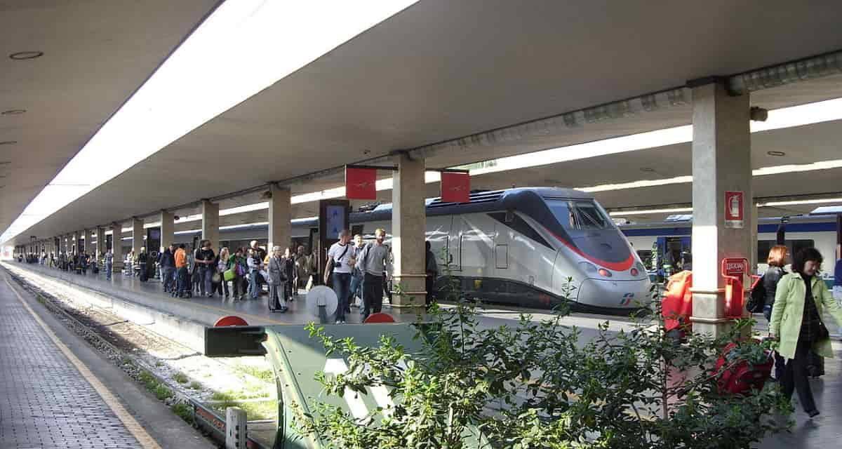 Treni in tilt: ripreso il traffico sulla Roma-Firenze, tutti i ritardi