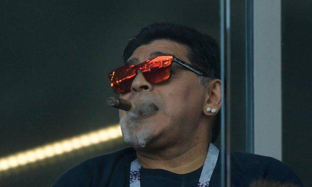 """Maradona benedice De Rossi al Boca: """"Tu come il miracolo di San Gennaro"""""""