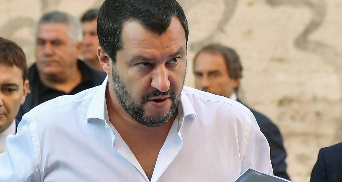 """Migranti, Salvini contro la Open Arms: """"Pronto a firmare divieto d'ingresso"""""""