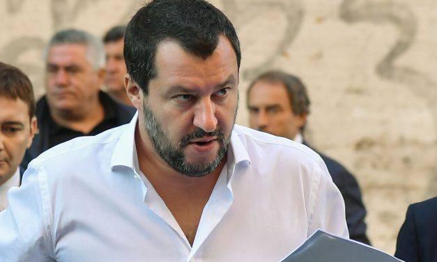 "Salvini a Bibbiano: ""I tribunali dei minori vadano nei campi rom!"""