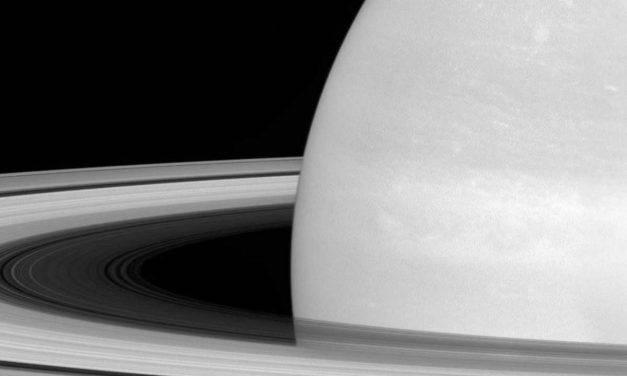 Saturno visibile dalla Terra: succederà domani