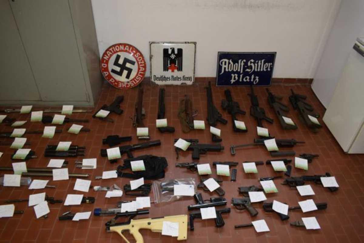 Arsenale sequestrato ai nazisti