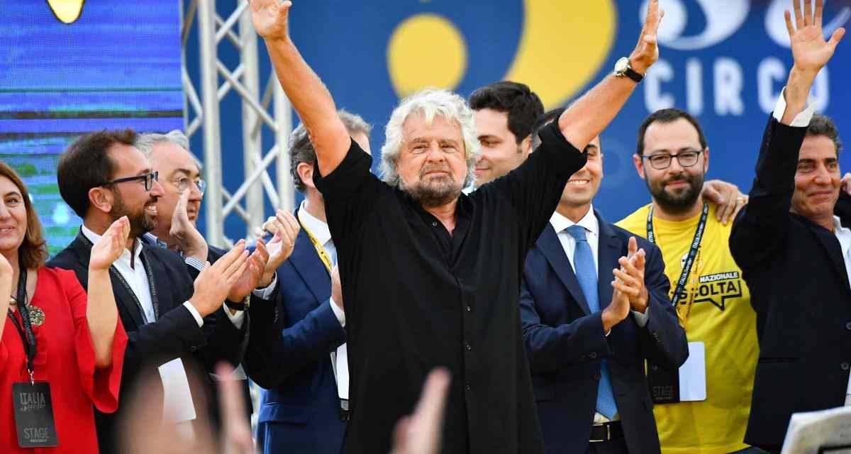 """Grillo attacca Salvini: """"Si sta intamarrendo ed ora cerca la fuga!"""""""