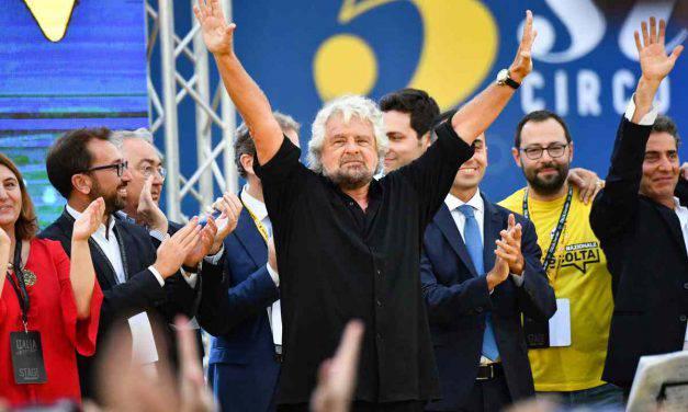 """Beppe Grillo: """"Autostrade a Genova come i nazisti a Sant'Anna!"""""""