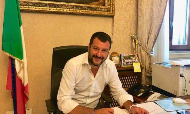 Matteo Salvini contestato in Campania: annullate le date