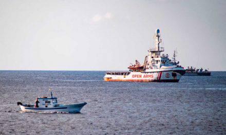 """Open Arms, sotto accusa medico di Lampedusa per i referti medici: """"Non sono fasulli"""""""