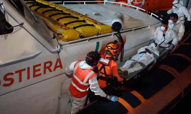 """Open Arms: """"Ragazzo con tubercolosi evacuato, 8 persone verso Malta"""""""