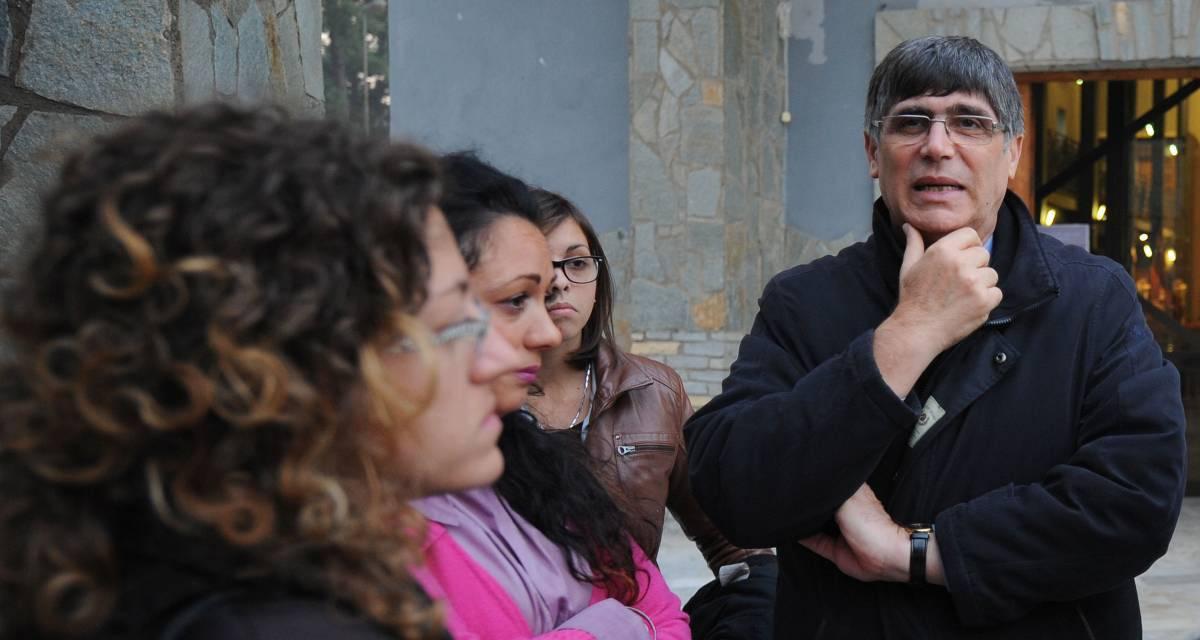 Don Maurizio Patriciello, ecco chi è il prete che celebrerà i funerali della Toffa
