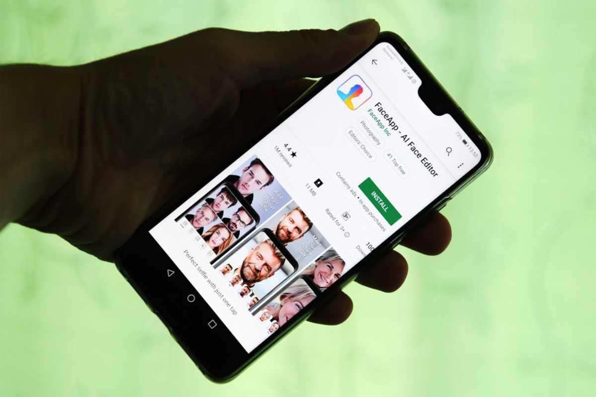 Smartphone con FaceApp